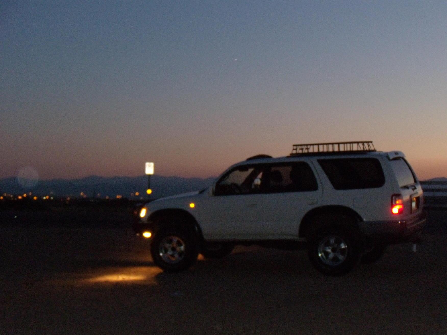 Hella side markers LED-passenger side done-0622104runner-led-rocklights-nite-shots-024-jpg