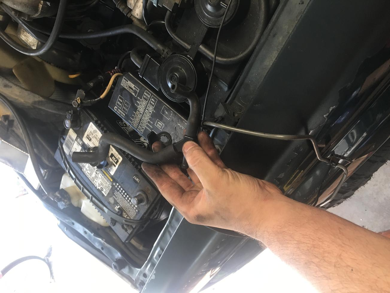 Need help with vacuum lines and 2 small lines coming off ... Vacuum Hose Diagram Toyota Highlander Wiring on