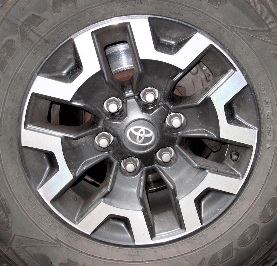 13WL and Toyota rim 75189-75189-jpg