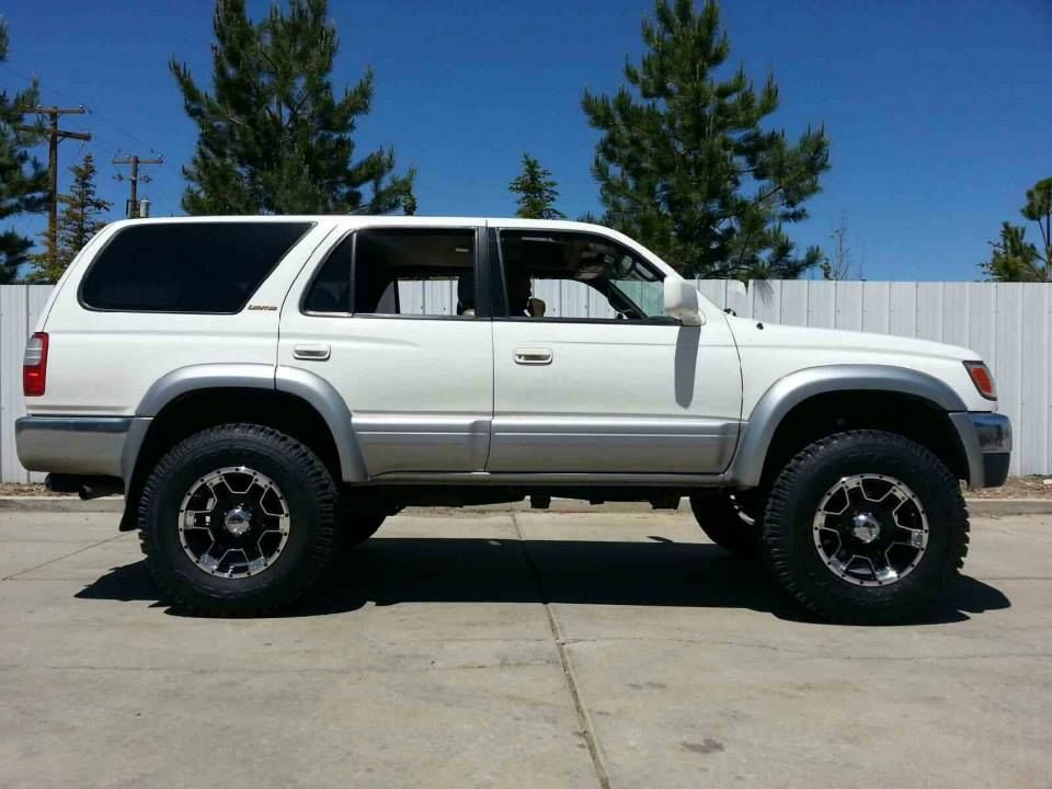 Is this anyone on here?-2inch-lift-17inch-rims-jpg