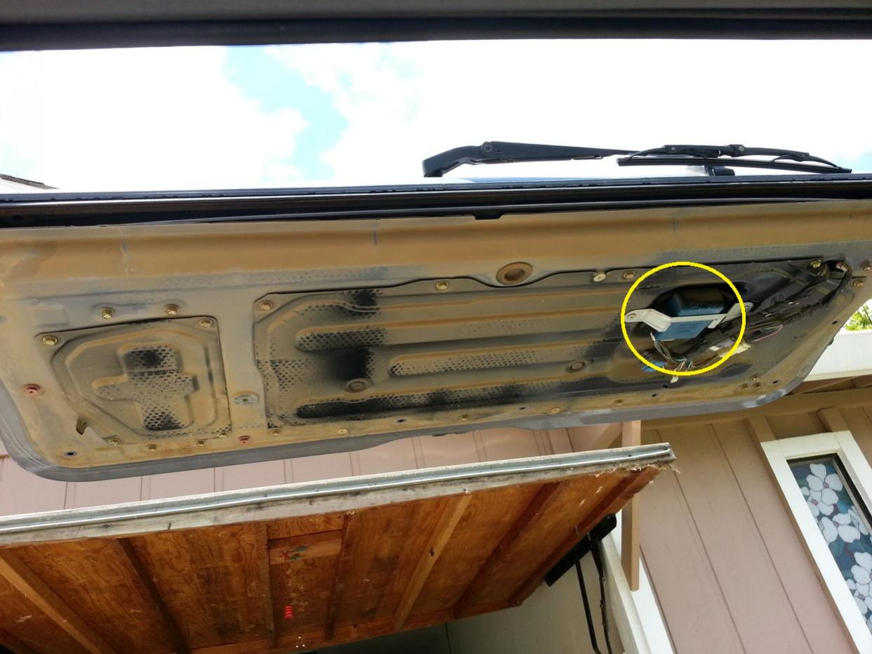 Electrical weirdness-tailgate-panel2-jpg