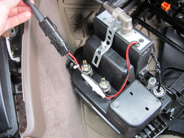46897d1309553287 cb radio 3rd gen runner wire 3 cb radio in 3rd gen runner page 5 toyota 4runner forum how to hardwire a cb radio to fuse box at crackthecode.co