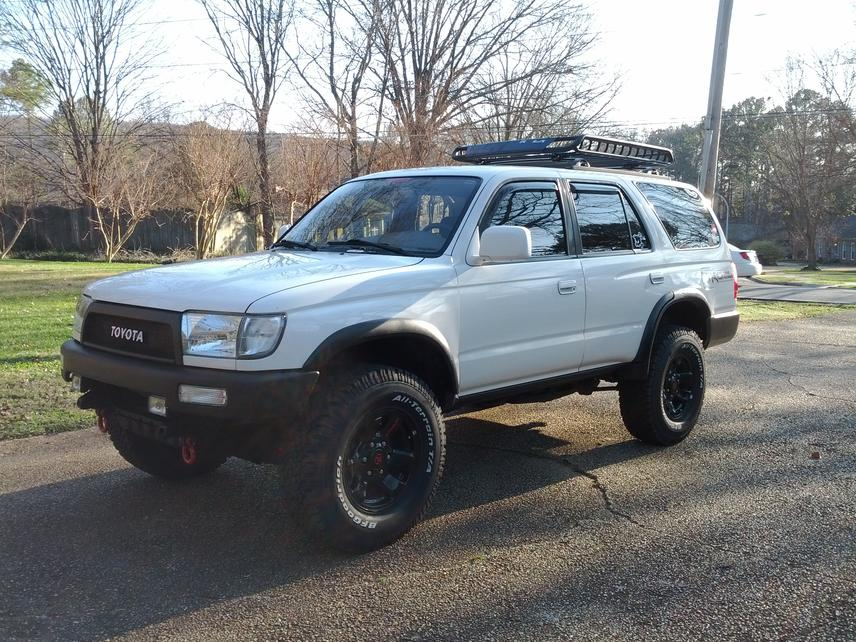 Anyone Have Pics Of White 3rd Gen With Black Bumpers