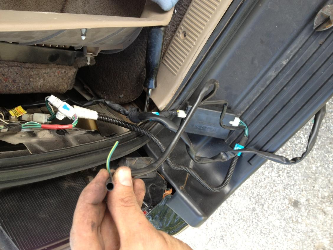 Factory Hitch Harness Wiring  What Is This Wire   - Toyota 4runner Forum