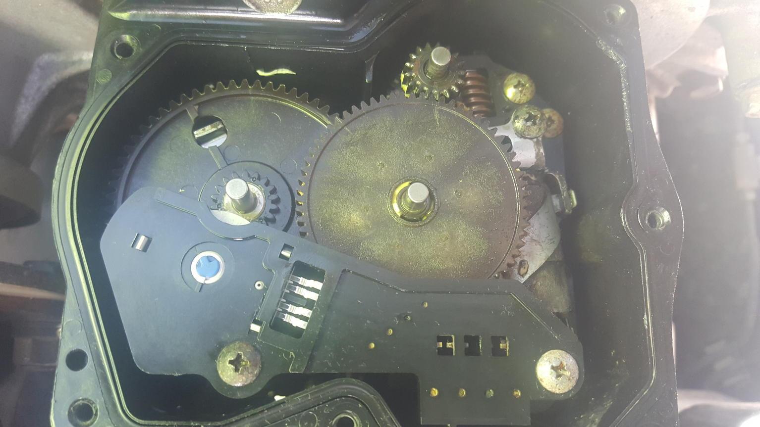 223912d1477079273 diy transfer case actuator repair 20161021_104747 diy transfer case actuator repair toyota 4runner forum largest