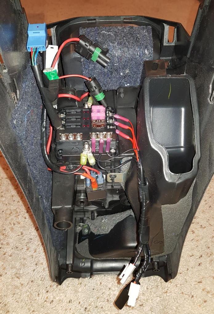 Fantastic Accessory Fuse Box Wiring Diagram Wiring Digital Resources Instshebarightsorg