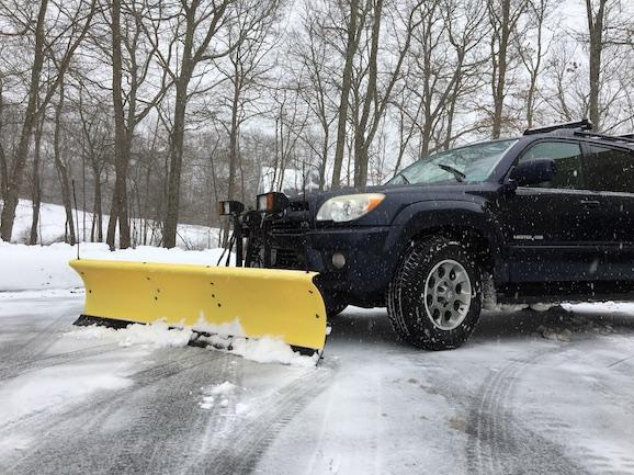 Fisher Snow Plow Mounted on 4Runner-20084runnerwplow-jpeg