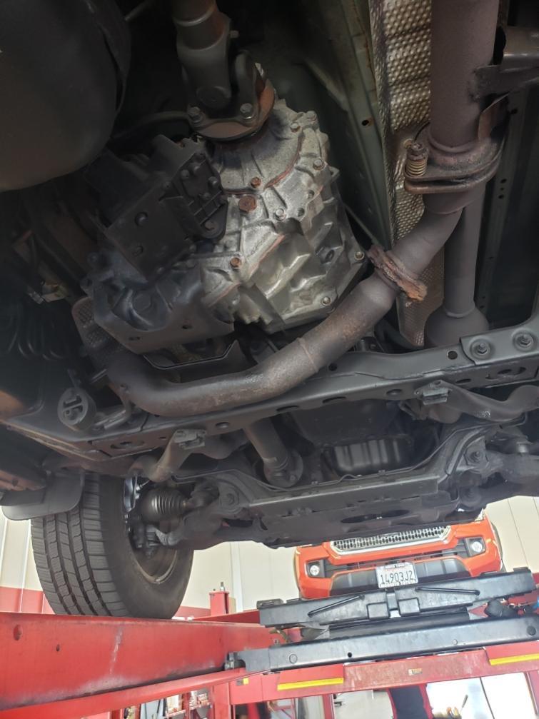 2008 V8 undercarriage-8ab17531-d1d7-416c-b7b6-f894e491f0b6-jpg