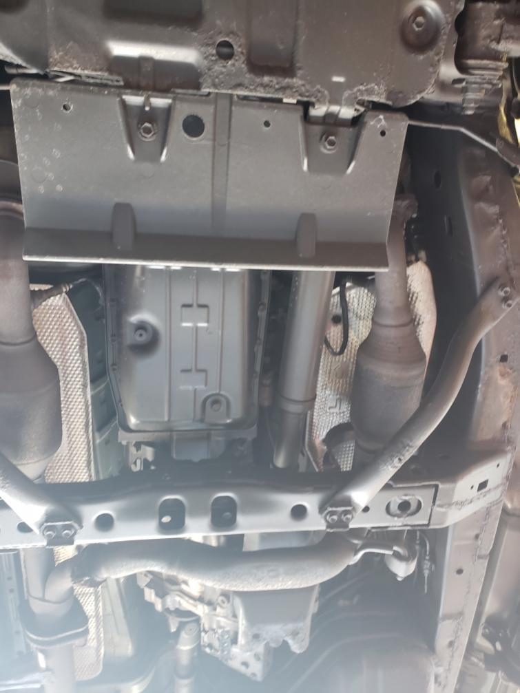 2008 V8 undercarriage-38d9fc54-1895-47f9-a739-b96048bdd66f-jpg