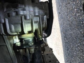 Transfer case output shaft leak-img_6709-jpg