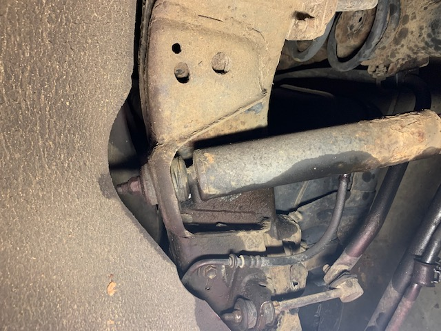 Rear Shock and Sway Bar Link Removal, Help Needed-img_1346-jpg