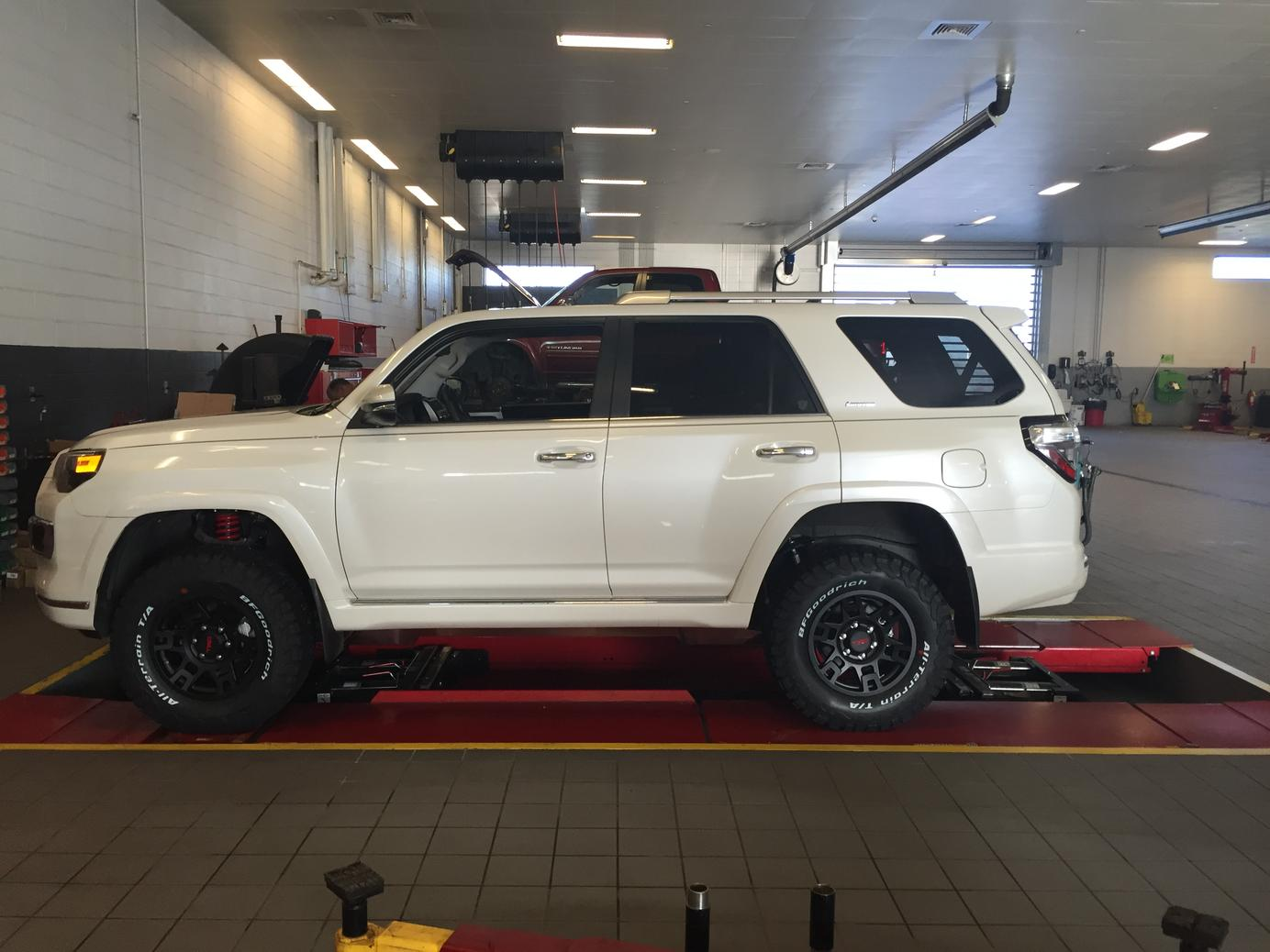 2014 toyota 4runner limited tire size autos post. Black Bedroom Furniture Sets. Home Design Ideas
