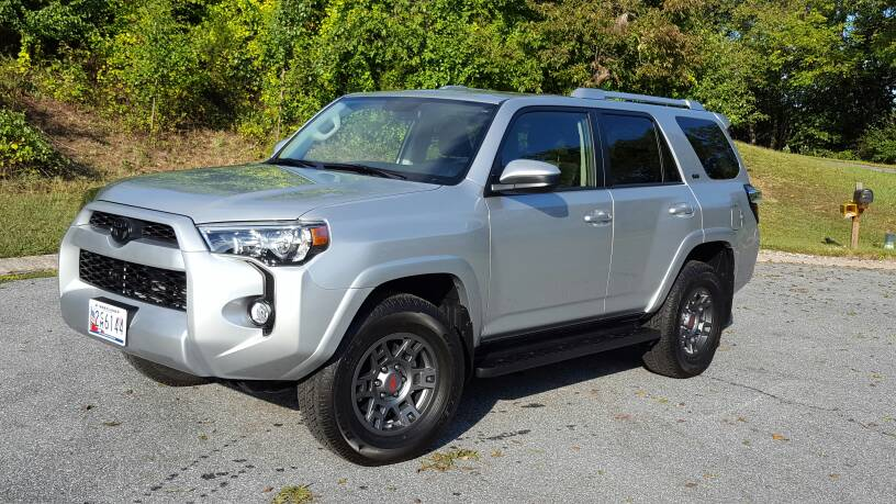 Calling all Silver 4runners with black or trd wheels ...