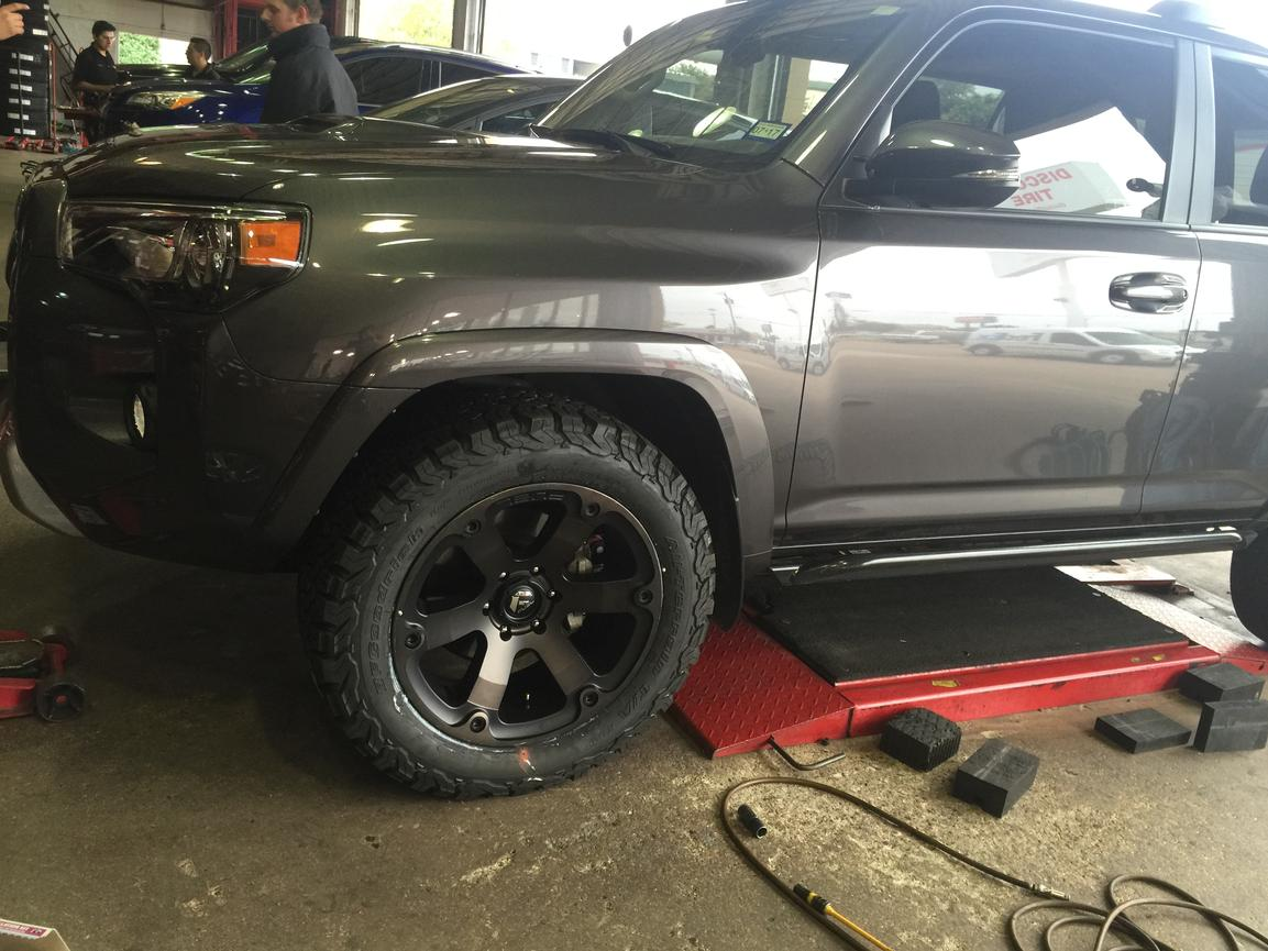 285 55r20 on 20x9 wheels toyota 4runner forum largest. Black Bedroom Furniture Sets. Home Design Ideas