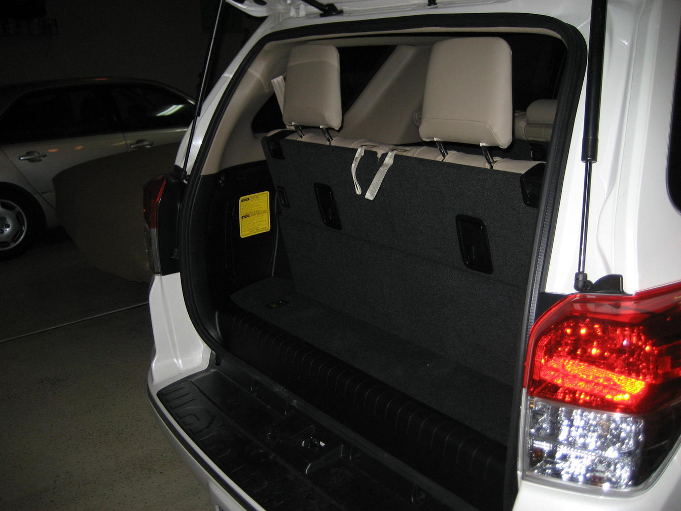 4runner pro 3rd row seating autos post. Black Bedroom Furniture Sets. Home Design Ideas