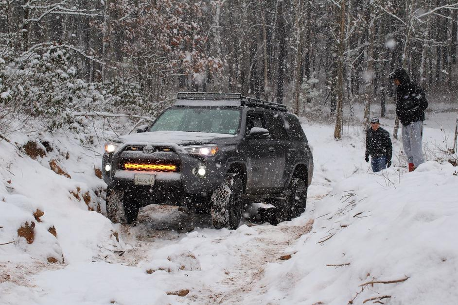 Magnetic Grey 4Runners! Lets see them!-snow-day-1-jpg