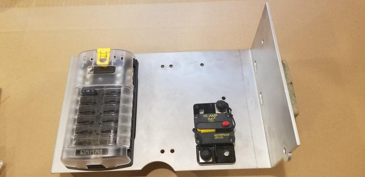 Switch Pro 9100 Vertical Mounting Solution-mt-fuse-block-jpg