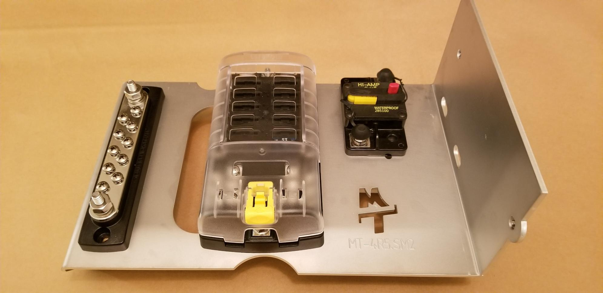 Switch Pro 9100 Vertical Mounting Solution-fuse-block-concept-w-busbar-cb-1-jpg