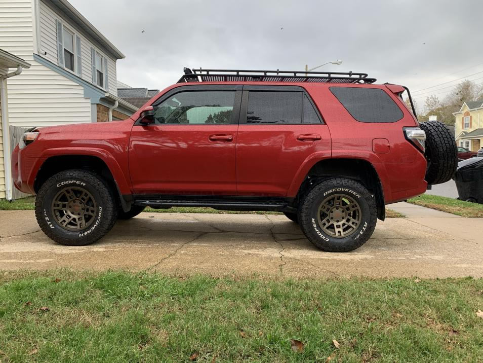 Did Red 4Runner with 4wd and 3rd row seats ever exist?-339db0e5-3bd8-4139-8c64-66ad5e000928-jpg