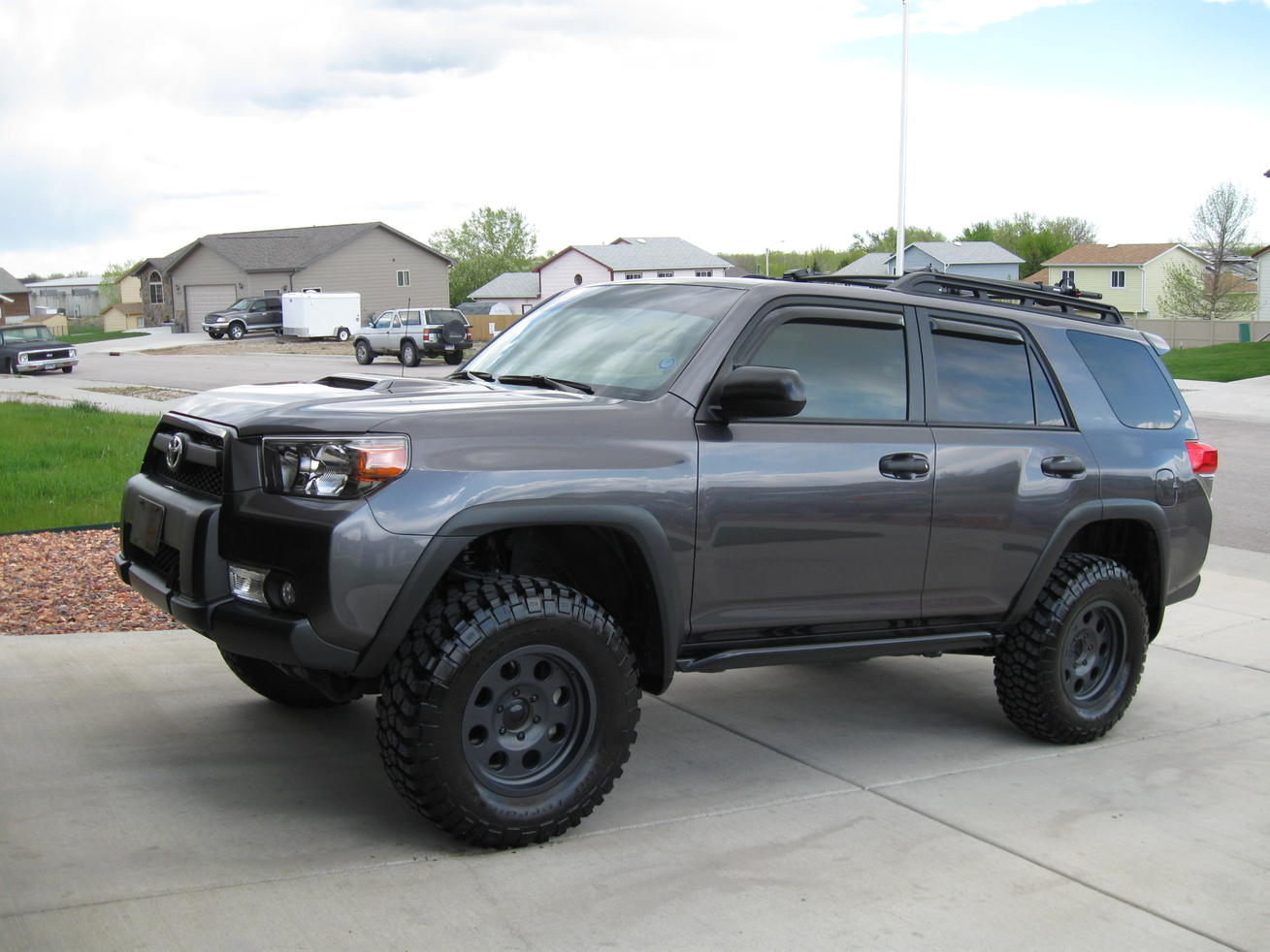 Lets See All The Magnetic Grey Runners With Black Wheels