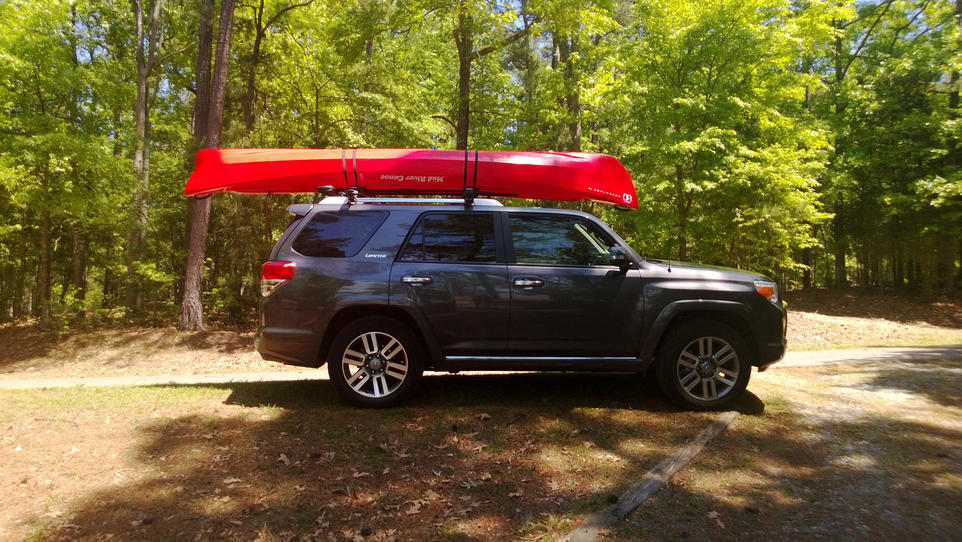 Toyota Nc Yakima ShowBoat on Thule AeroBlades for canoe - Toyota ...