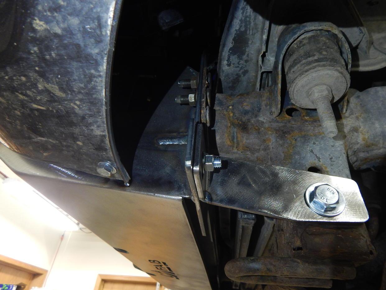 C4 FAB early 4th gen (03-05) Lo-Pro winch bumper install guide.-dscn4475-jpg