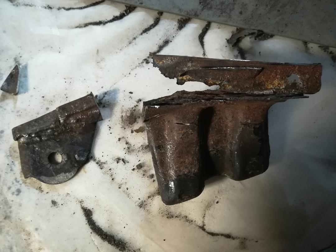 4R from North, Rust Repairs Done.  Parts assemble time.-16-jpg