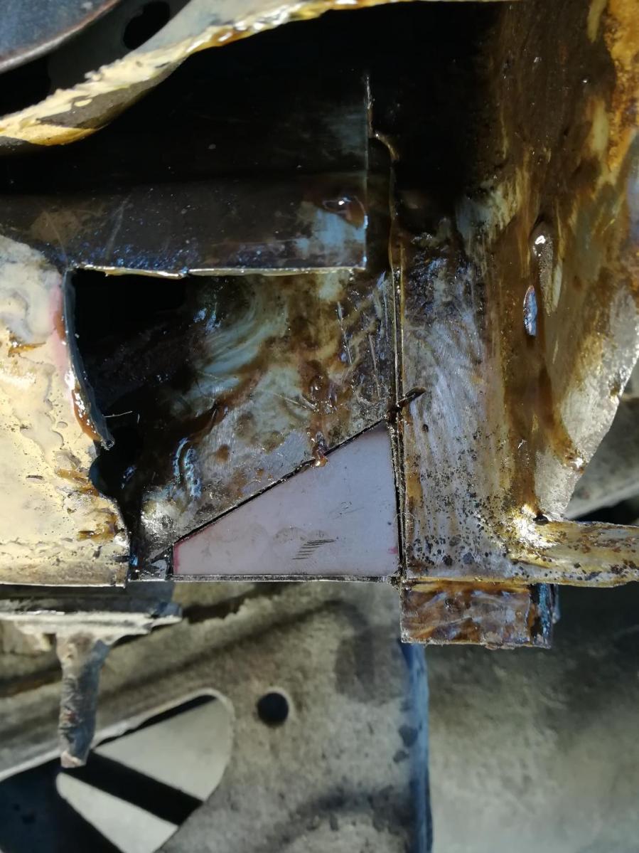 4R from North, Huge Rust repairs etc.-3-jpg