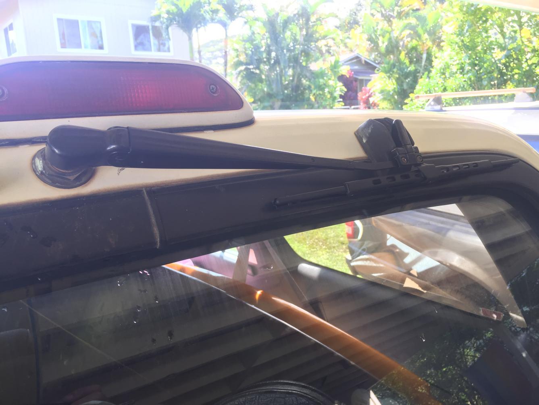 Remove Rear wiper arm 1994 T4R-35b32c47-937f-41a4-8cbb-117bafe85fb0-jpg