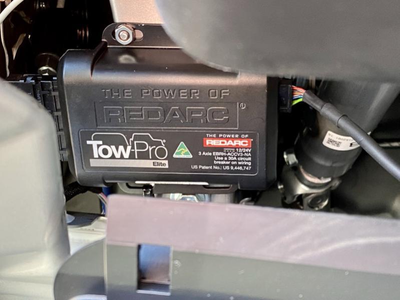 Intergraded Brake Controller Location-redarc_tow-pro_controller_installation-jpg