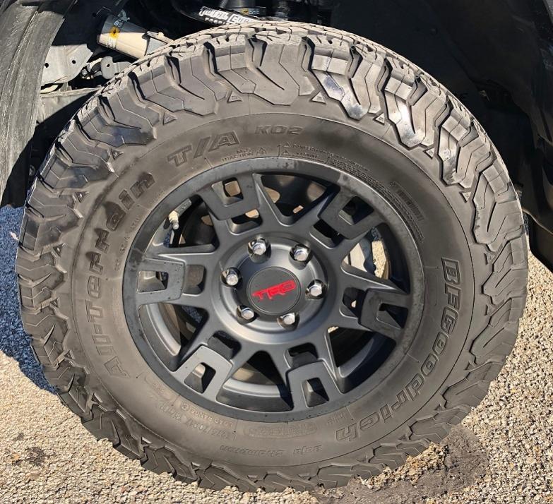 FS: BFG KO2s 275/70/17, TRD PRO / Trail Wheels - Kansas City, MO-img-9414-jpg
