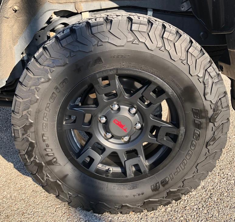 FS: BFG KO2s 275/70/17, TRD PRO / Trail Wheels - Kansas City, MO-img-9415-jpg