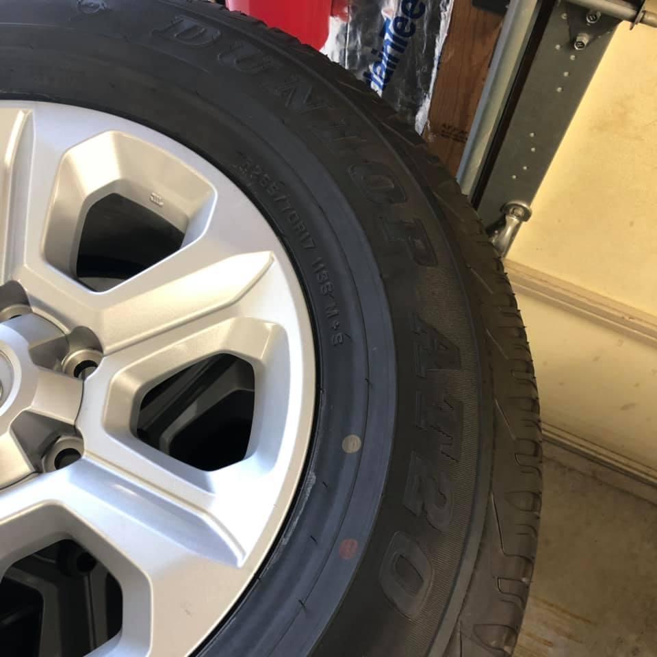 FS: 2019 SR5 Wheels & Tires with 700mi on them, 0 Milwaukee, WI-69588477_2562646233756602_770063064664899584_n-jpg