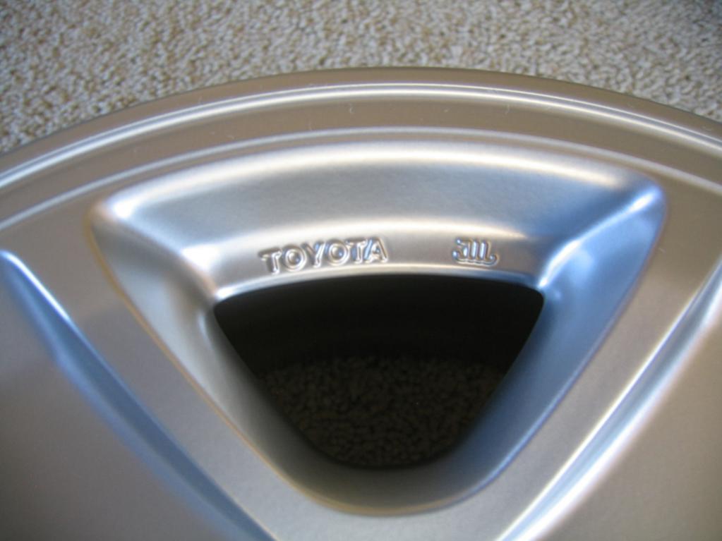 4 OEM TOYOTA 1999-2002 4RUNNER Limited alloy rims-img_5289-jpg