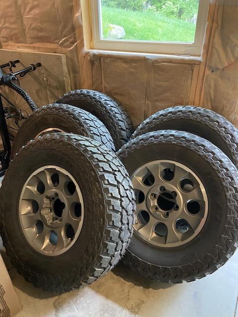 FS: 5 TE/FJ Mounted Wheel tire combo, 00 Maine-img_4400-1-jpg