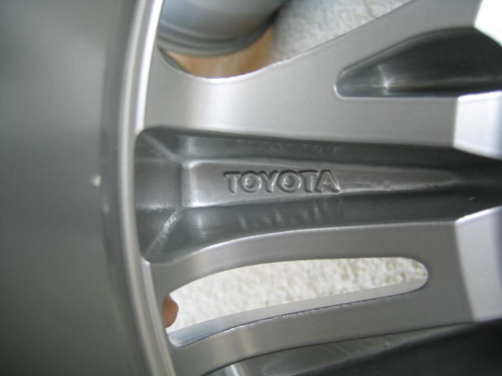 4 OEM TOYOTA TUNDRA/SEQUOIA alloy rims-img_5076-jpg