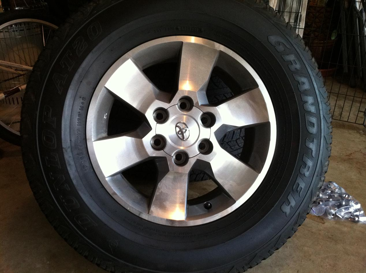 2011 Sr5 Oem Rims Amp Tires Toyota 4runner Forum Largest