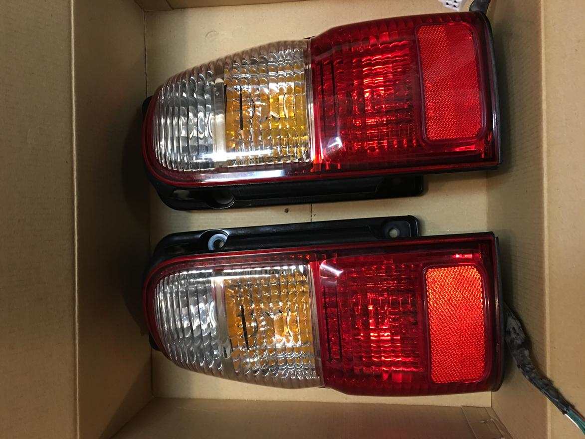 FS: 2002 Genuine Tail Lights 9/10, Seattle WA, 0 Shipped-img_8056-jpg