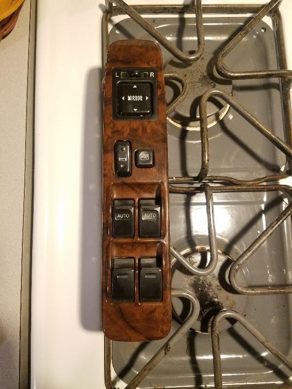 3rd gen limited woodgrain trim pieces. West Chicagoland IL.-20190315_234-jpg