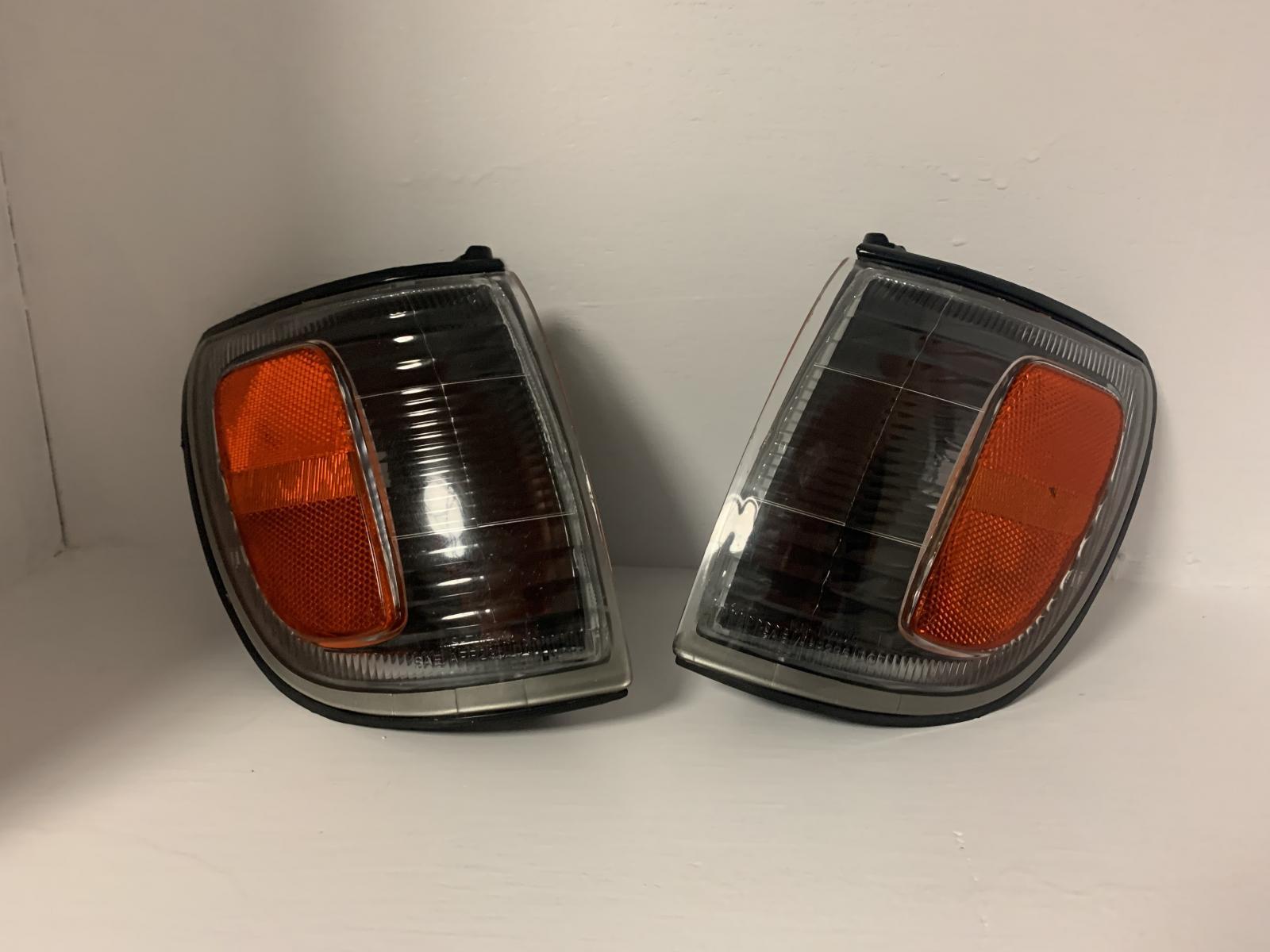 FS: 45 shipped 1996-2002 Toyota 4Runner Smoked/ Clear Lense Corner Lights 45 shipped-331fc263-f7a9-448d-aa33-9ca06657d338-jpg