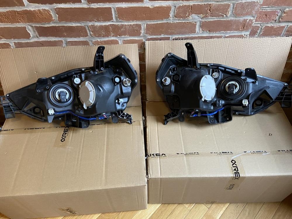 FS/FT 5th Gen headlights, taillights, running boards, floormats St Louis-headlights2-jpg