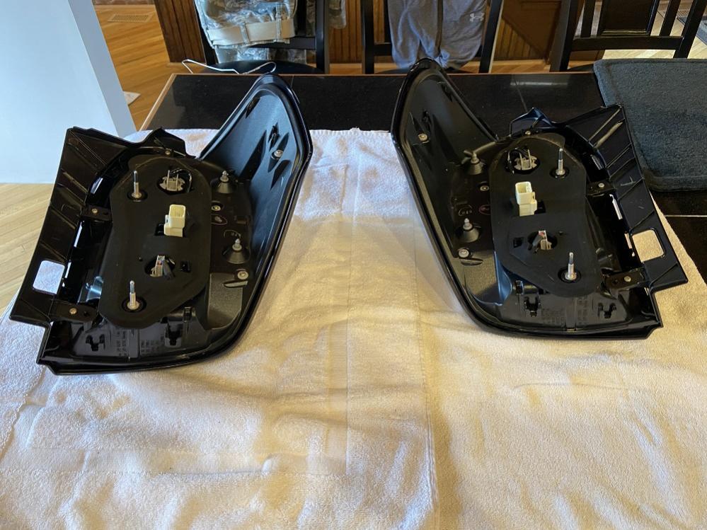 FS/FT 5th Gen headlights, taillights, running boards, floormats St Louis-taillights2-jpg