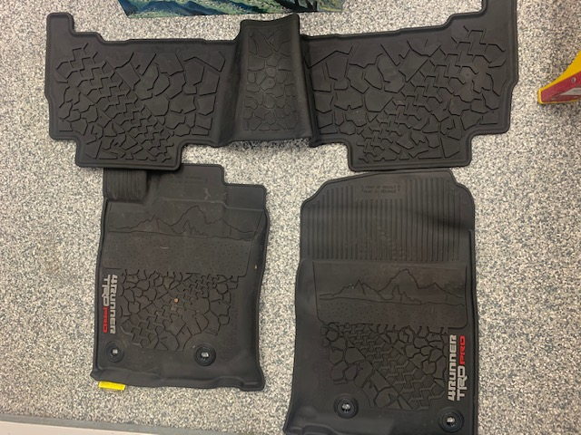 FS: 2 sets OEM 4runner all weather floor mats, like new - Norcal, CA (burlingame)-img_2897-jpg
