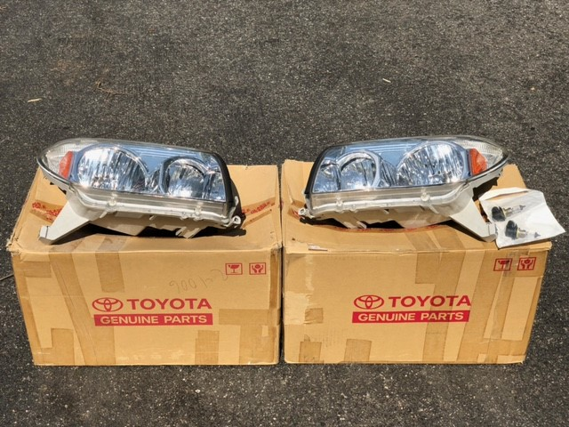 FS 2003-2005 OEM Toyota Headlights Excellent Condition Northern NJ 0 shipped-1-jpg
