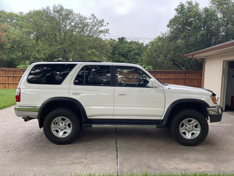 SOLD: 2000 4Runner SR5, 5-speed manual 4WD, 227K, ,500; Richardson, TX-img_3803-jpg