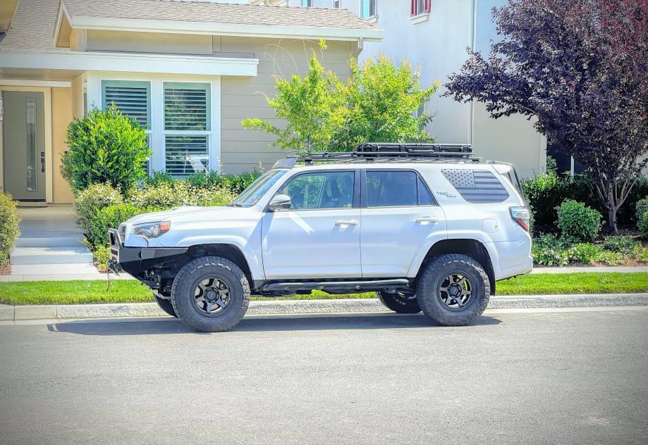 FS: 2017 4Runner TRD Off-Road Premium 4x4 White, KDSS, 26k miles! Sacramento, CA-4runner-pic-3-jpg