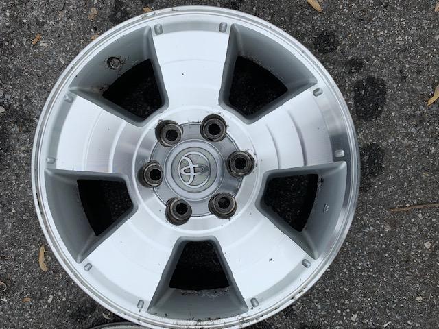 """Free - 4th gen Wheels 17"""" - Set of 4 - Baltimore MD-img_0252-jpg"""