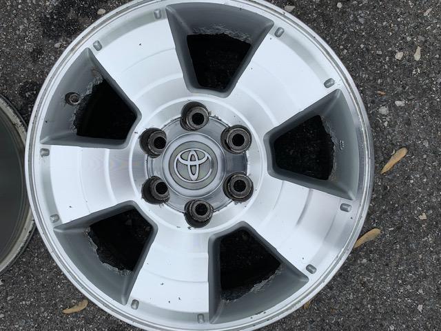 """Free - 4th gen Wheels 17"""" - Set of 4 - Baltimore MD-img_0251-jpg"""