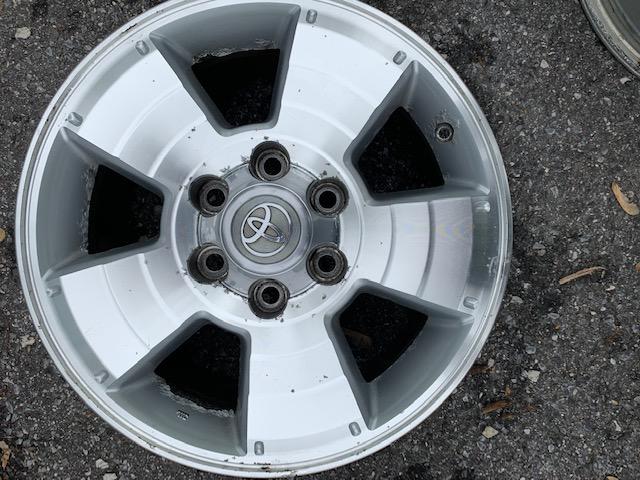 """Free - 4th gen Wheels 17"""" - Set of 4 - Baltimore MD-img_0253-jpg"""