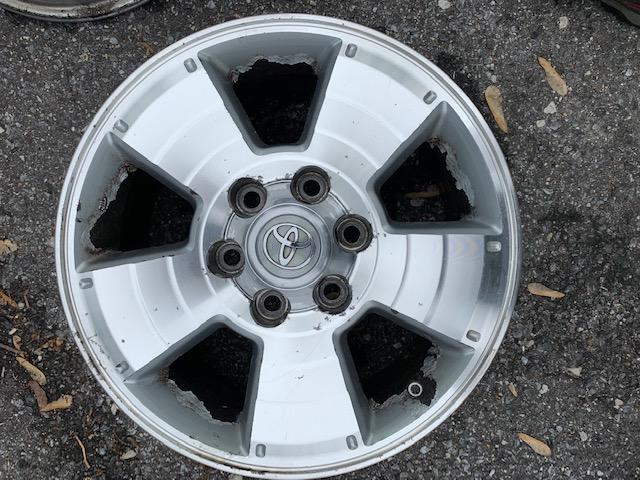 """Free - 4th gen Wheels 17"""" - Set of 4 - Baltimore MD-img_0254-jpg"""